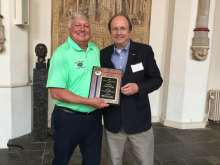 Paul Doering receives the Global Gator award
